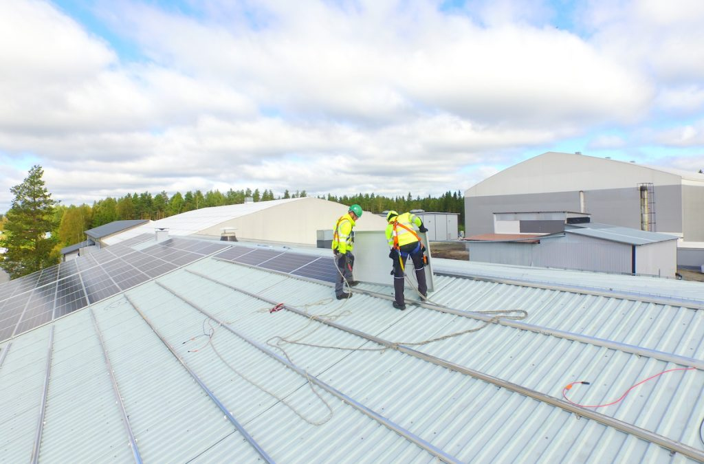 Aurinkopaneelin asentajat